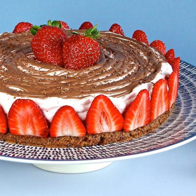 Strawberry Mousse Cake – gluten free