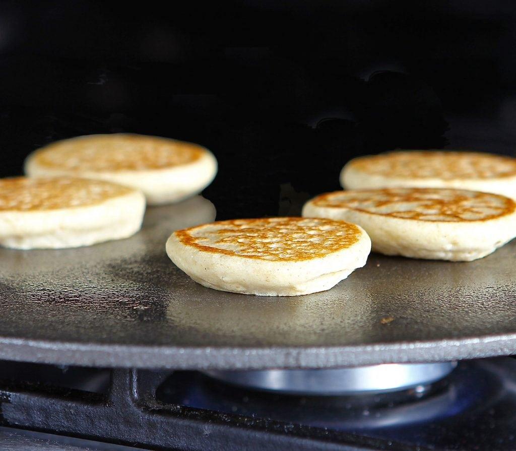 cooking-blini-pancakes