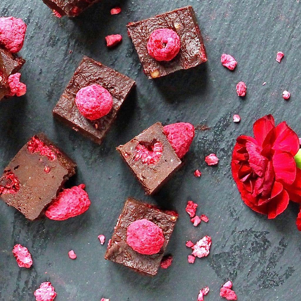 chocolate-raspberry-healthy-fudge