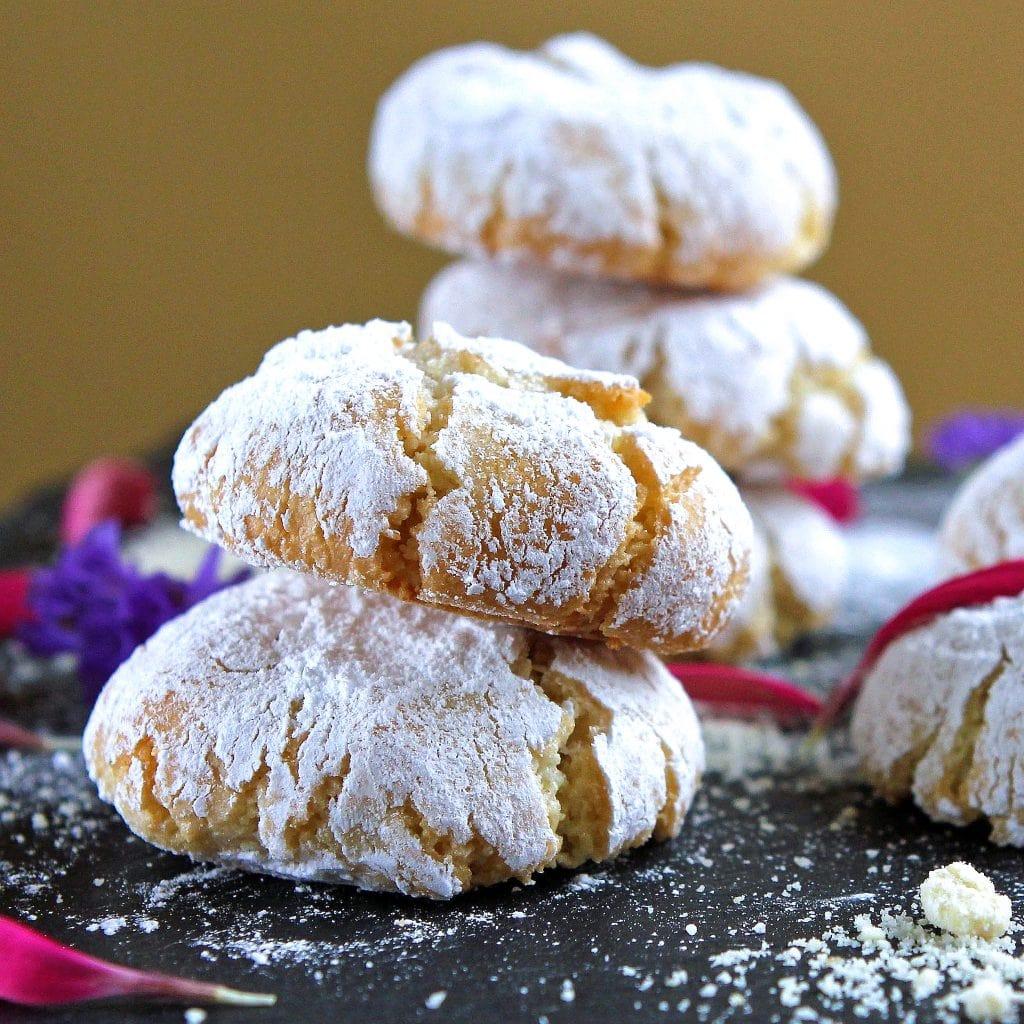 italian-amaretti-cookies
