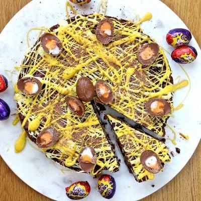 No Bake Creme Egg Biscuit Cake – #FreeFromEaster (gluten free)