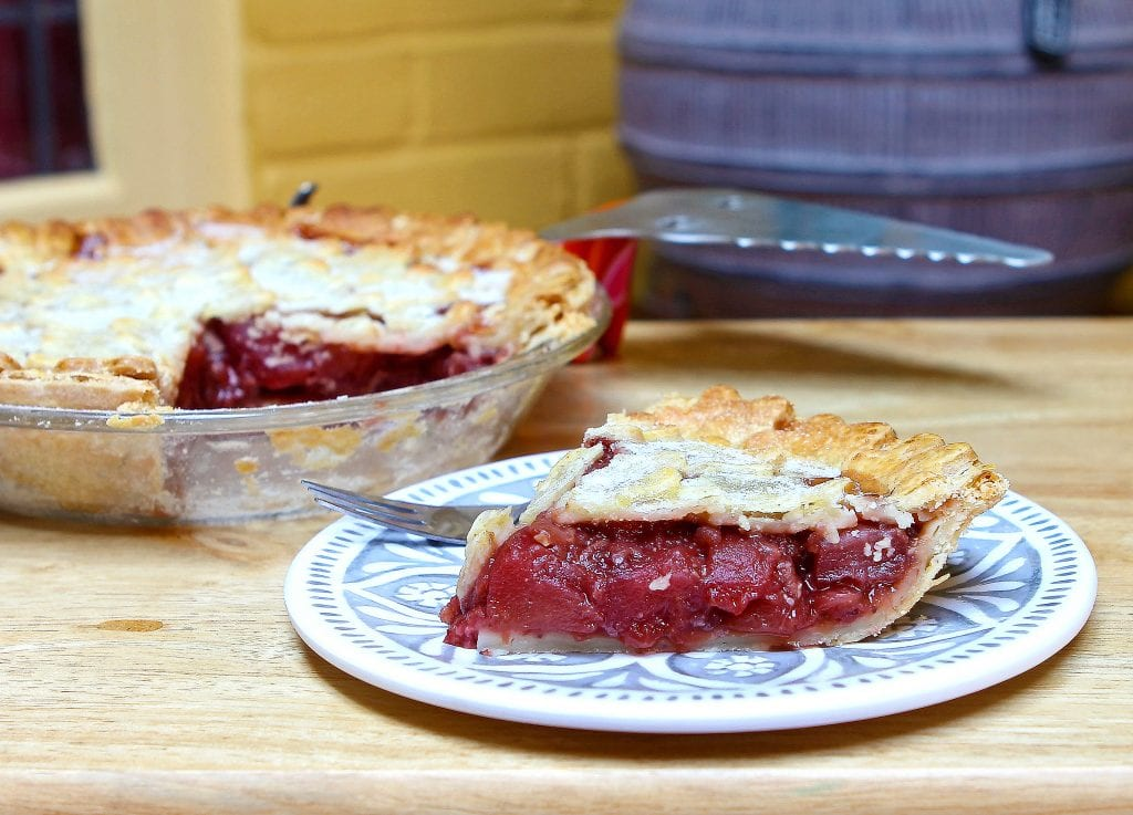 strawberry-apple-pie-slice