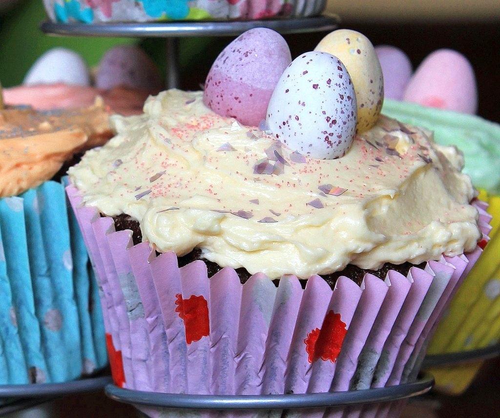 easter-cupcakes-italian-buttercream
