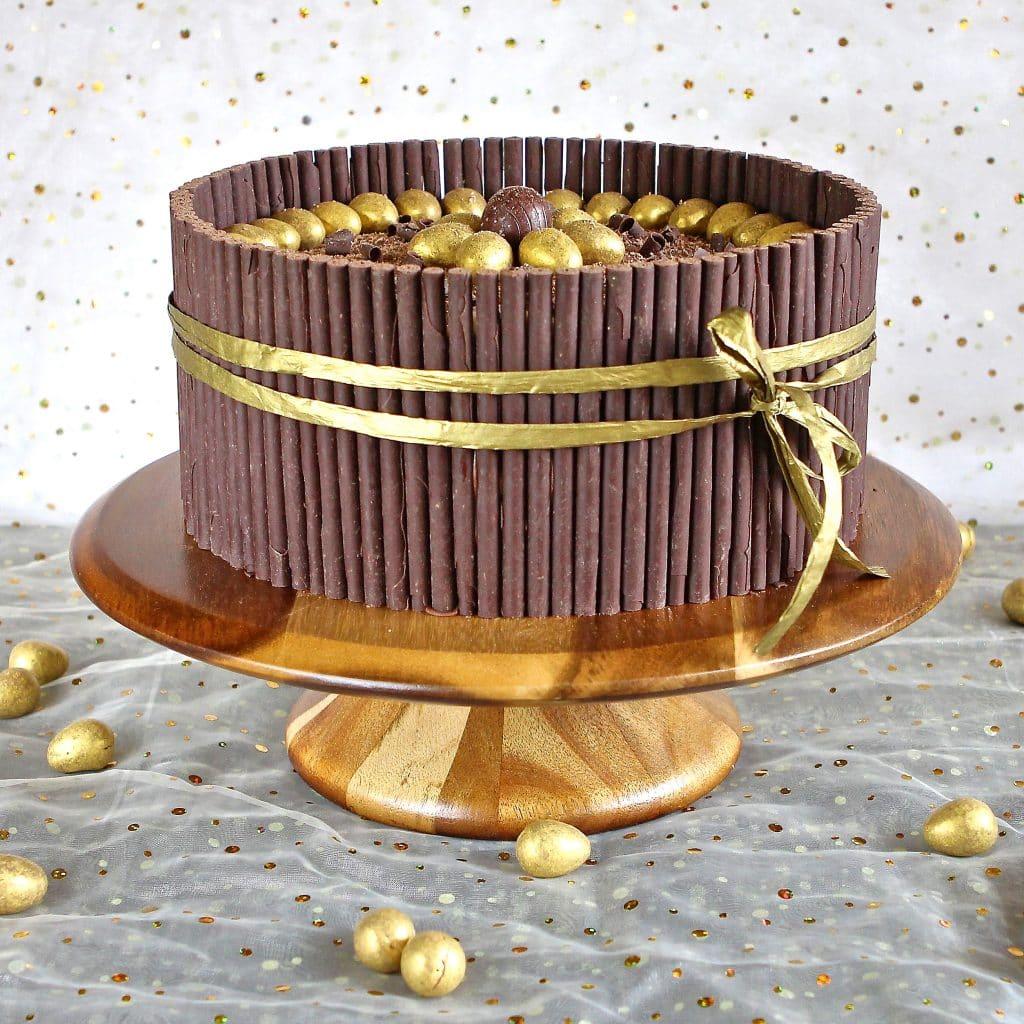 golden-egg-cake-easter