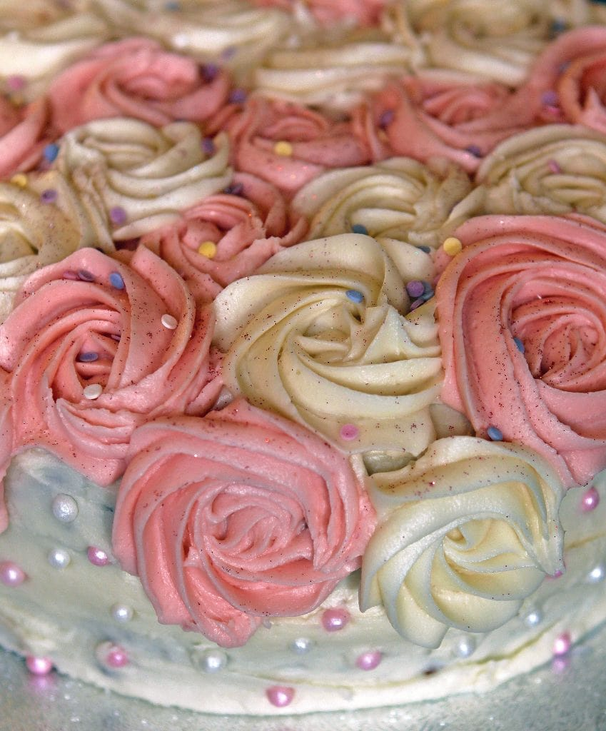 rose-birthday-cake