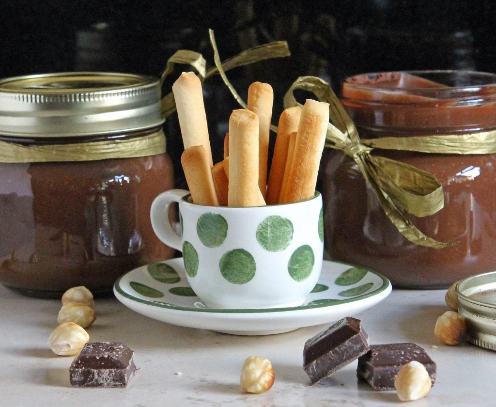 homemade-nutella-with-breadsticks