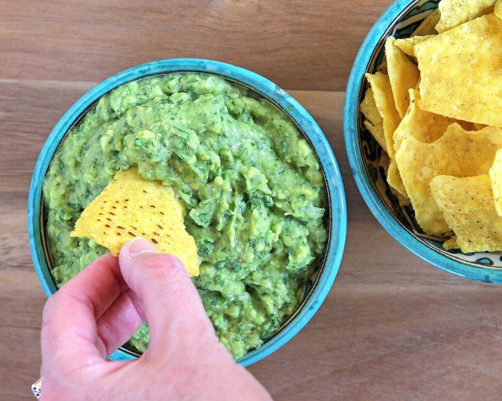 eat-guac-with-tortilla-chips