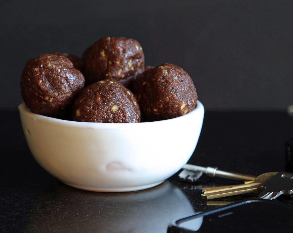 hazelnut-cacao-energy-balls