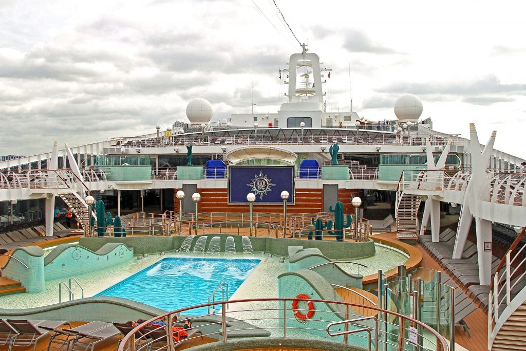 msc-preziosa-deck-swim-pool