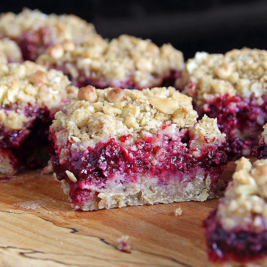 crumble-slice-blackberry-apple