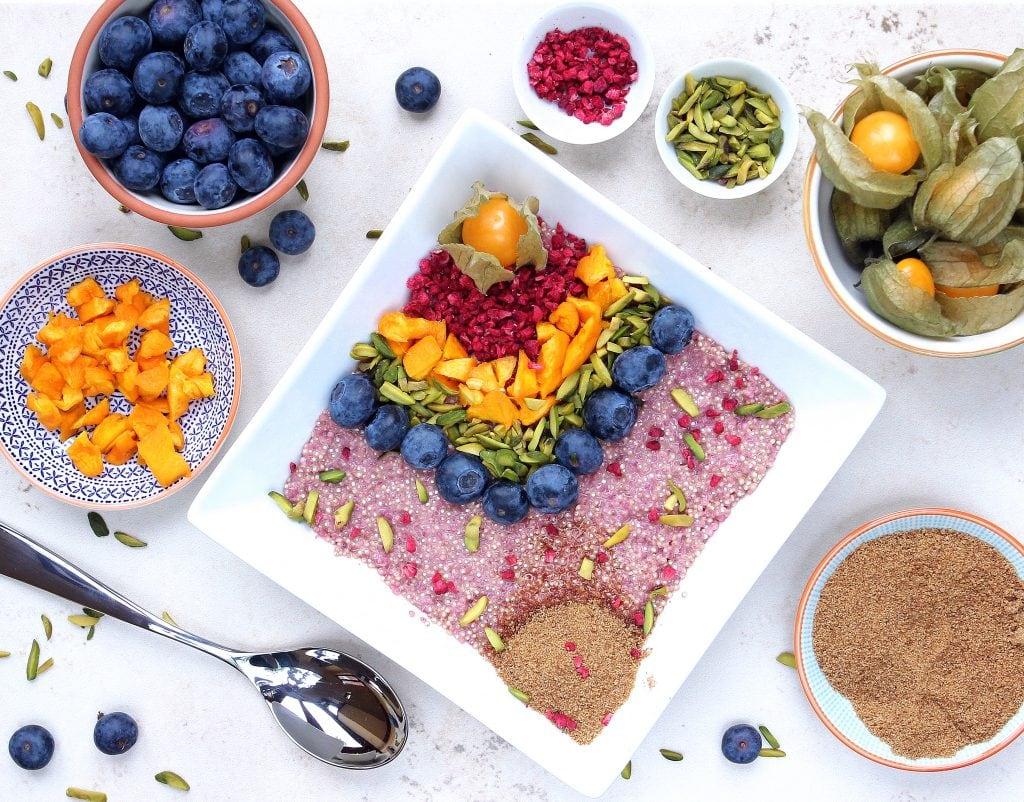 quinoa-fruit-breakfast-bowl