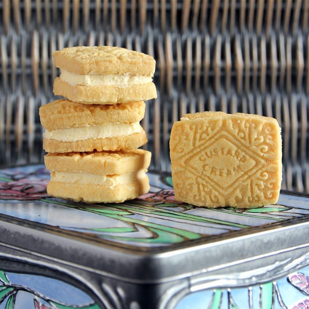 custard-creams-biscuits