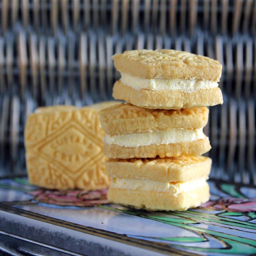 gluten-free-custard-creams-biscuits
