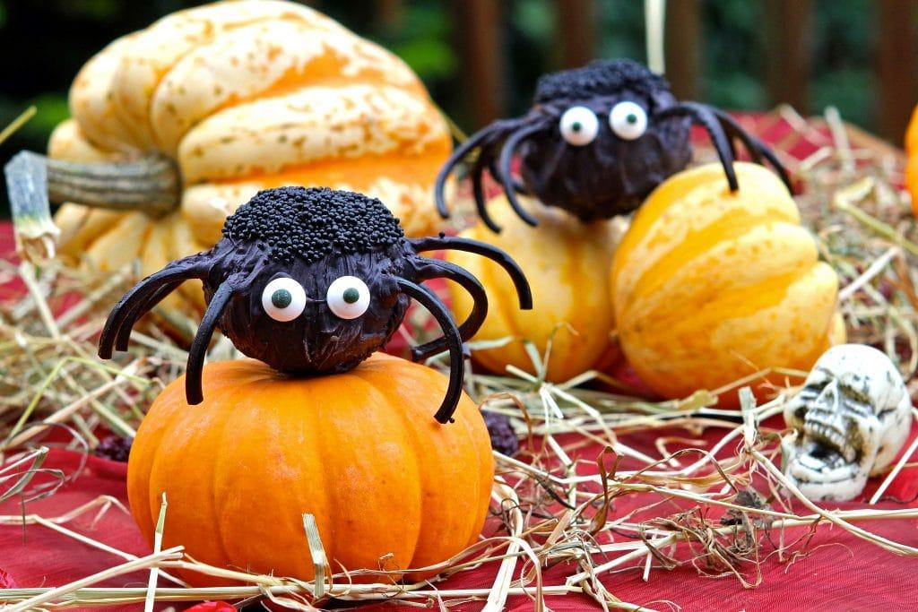 halloween-cake-pops-spiders