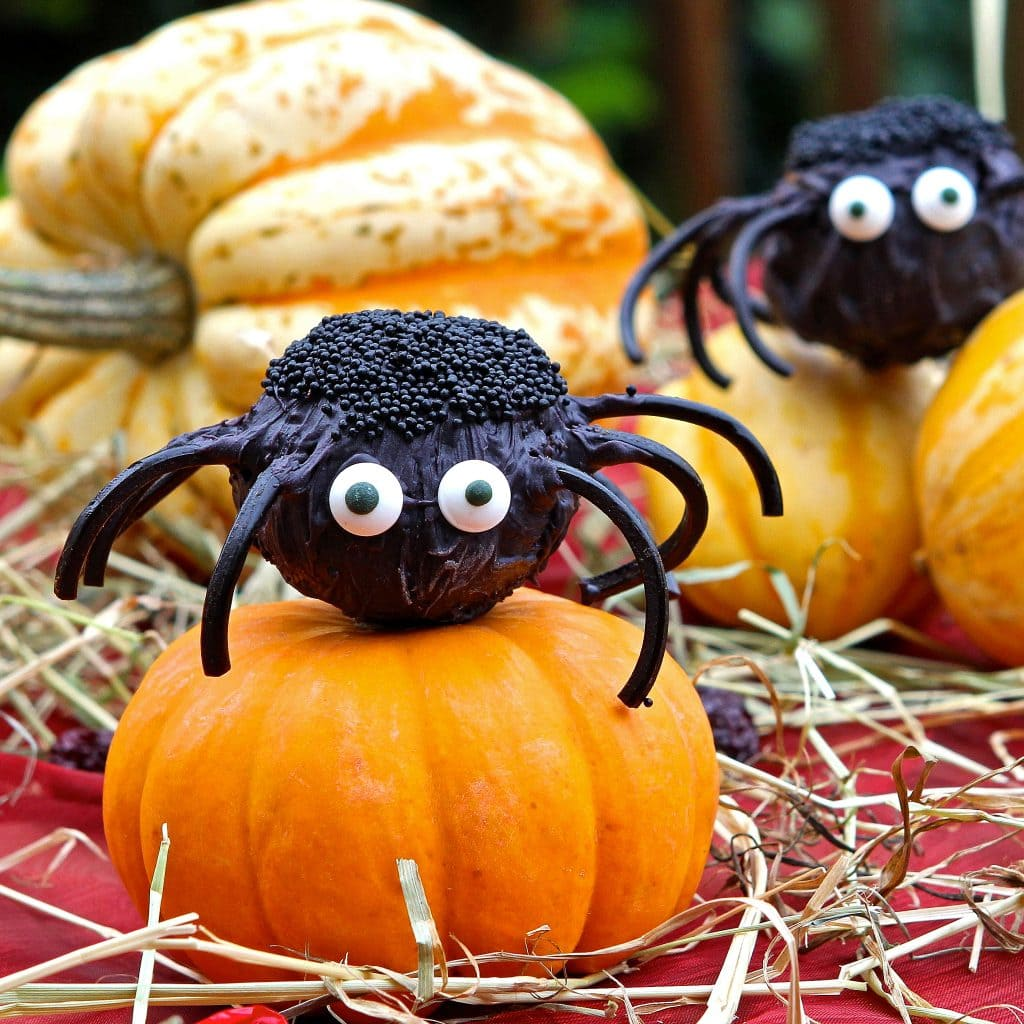halloween-cake-pops-spiders