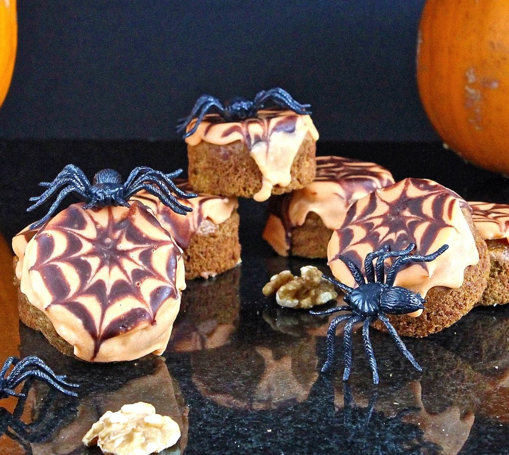 halloween-pumpkin-walnut-cakes
