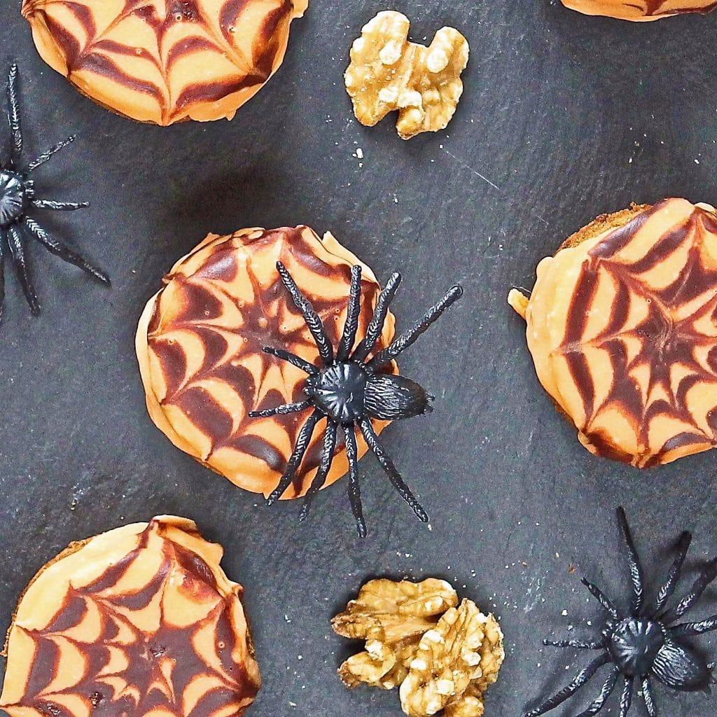 halloween-spider-web-cakes
