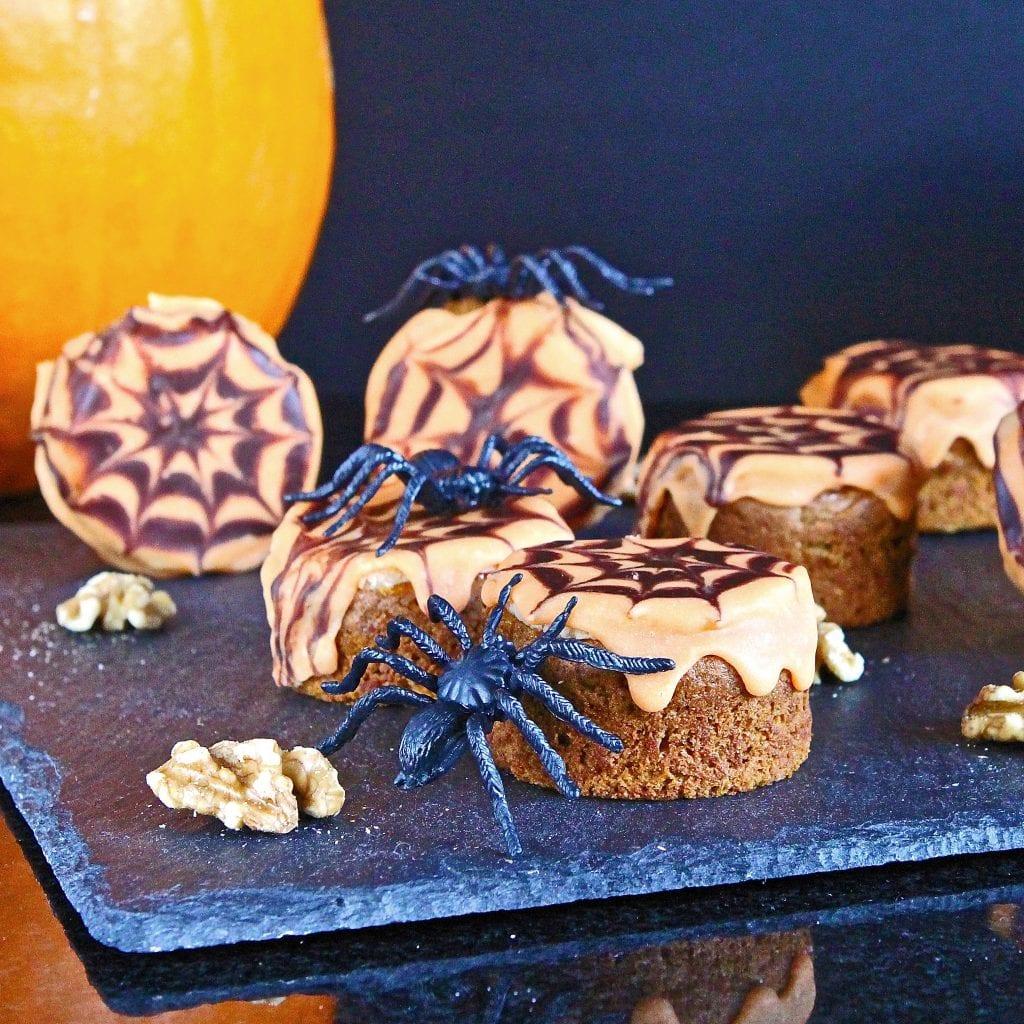 spiced-pumpkin-walnut-cakes
