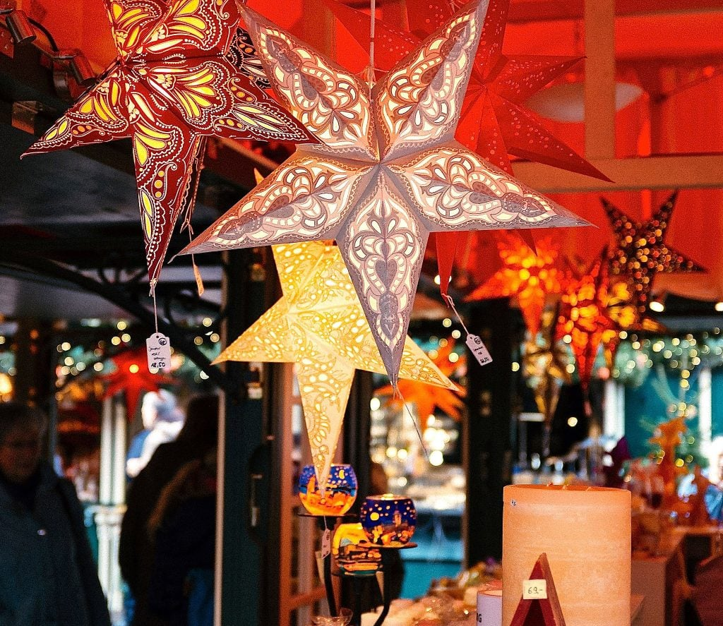 christmas-market-stars