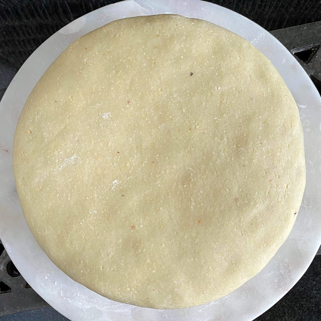 marzipan-cake-covering