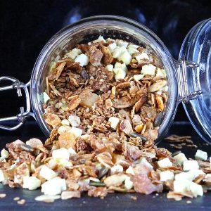 apple-pie-granola-vegan
