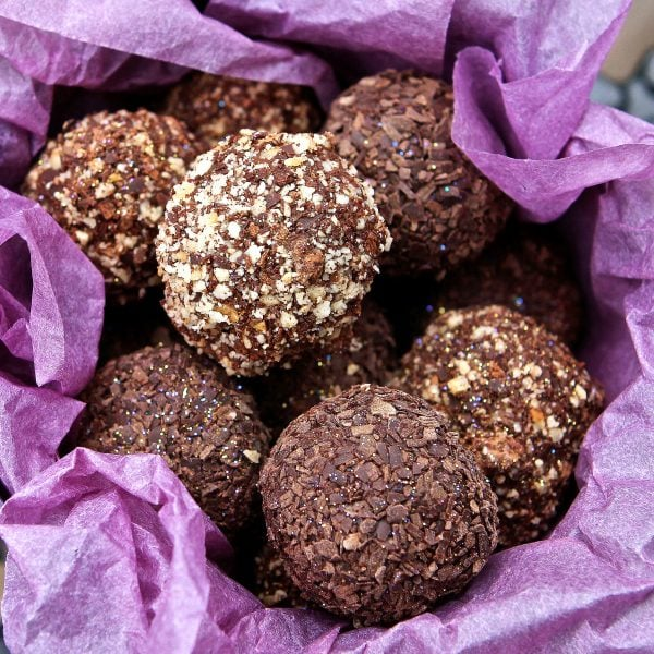 Chocolate Truffles – Easy Recipe with Cacao or Chocolate… Decadent & Delicious