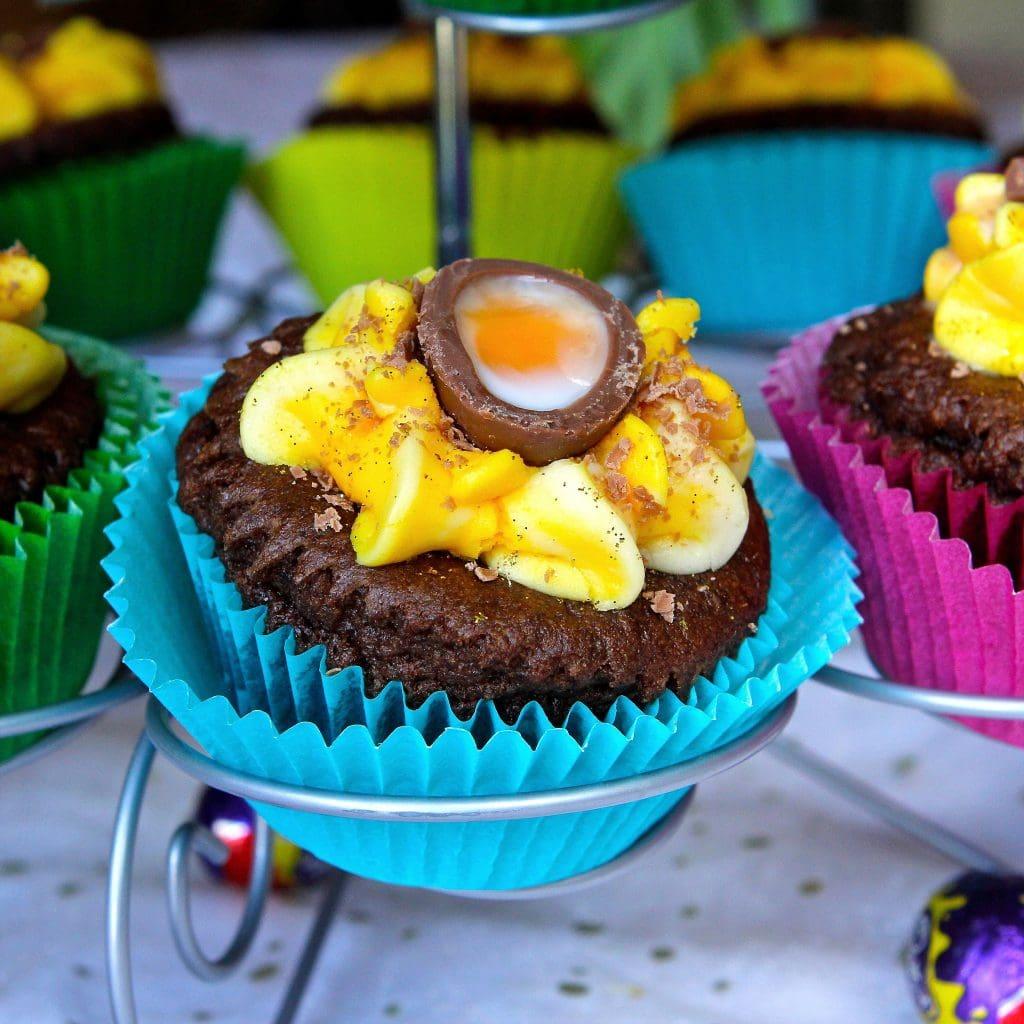 creme-egg-cupcakes