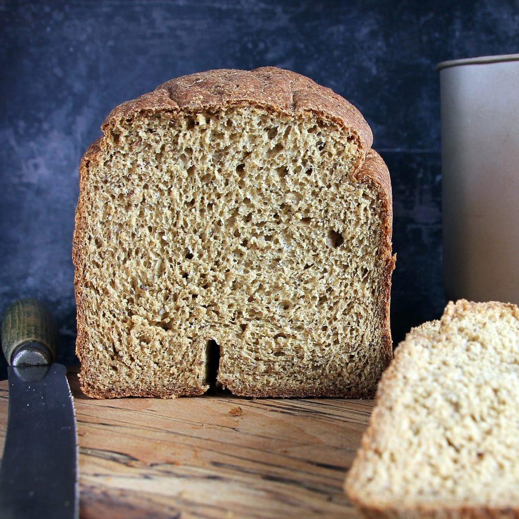 gluten-free-vegan-wholemeal-oat-bread-machine